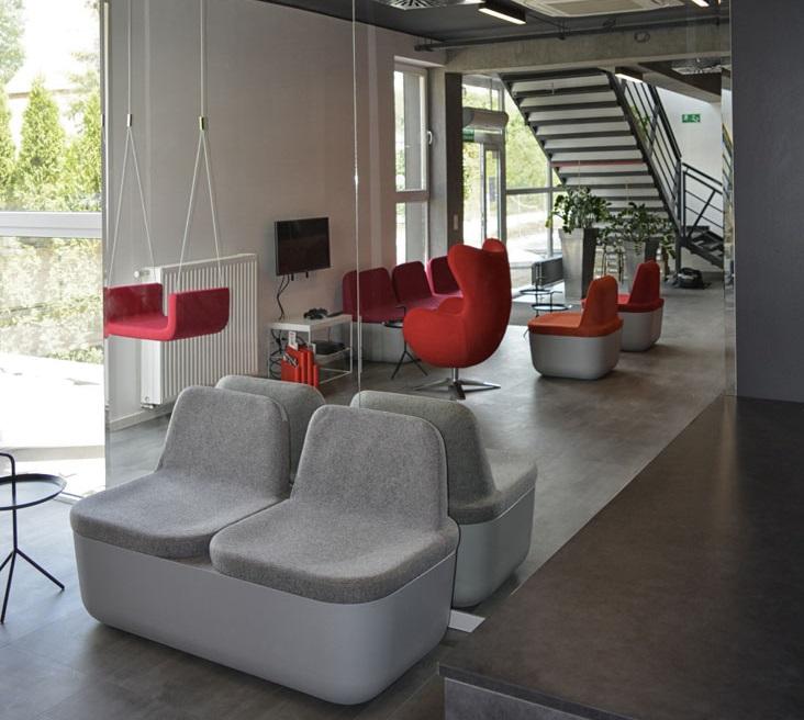 viesuju erdviu interjero dizainas, minkstasuoliai
